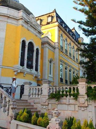 Pestana Palace Lisboa Hotel & National Monument : Fachada do Hotel virada para a rua