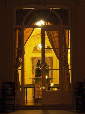 Pestana Palace Lisboa : Porta de acesso ao Jardim