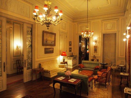 Pestana Palace Lisboa Hotel & National Monument: Área interna do edifício principal do Hotel