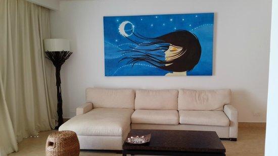 Las Perlas Hotel & Resort Playa Blanca: muebles perfectos para descansar en la pequeña sala de la habitación