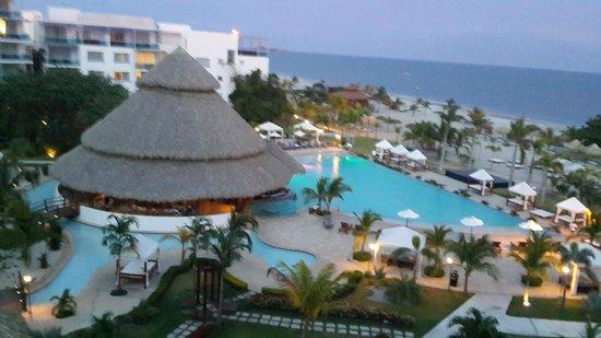 Las Perlas Hotel & Resort Playa Blanca: Piscina y playa