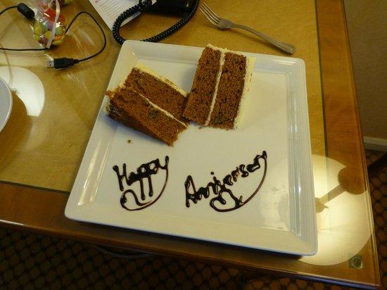 London Marriott Hotel Maida Vale: And cake