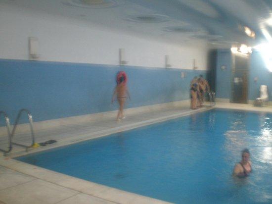 Hotel de Guimaraes: piscina aquecida muito gostosa