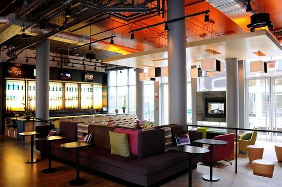 Aloft Hotel Montreal Airport
