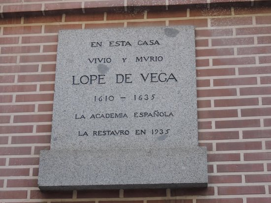 Artistic B&B : Plaque on Lope De Vega House near B&B