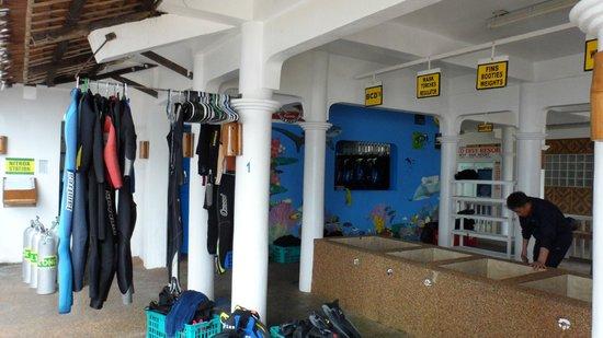 Malapascua Exotic Island Dive & Beach Resort: Dive shop