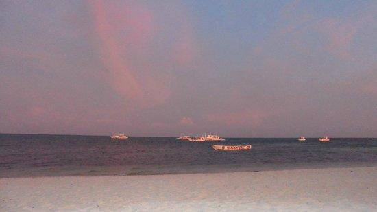Malapascua Exotic Island Dive & Beach Resort: Sunset