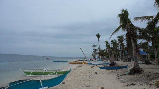 Malapascua Exotic Island Dive & Beach Resort: Beach walk north (up west coast) from Exotic