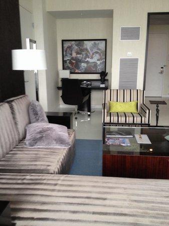 ARIA Sky Suites: Oturma odası