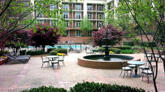 Sheraton Music City Hotel: Pool area