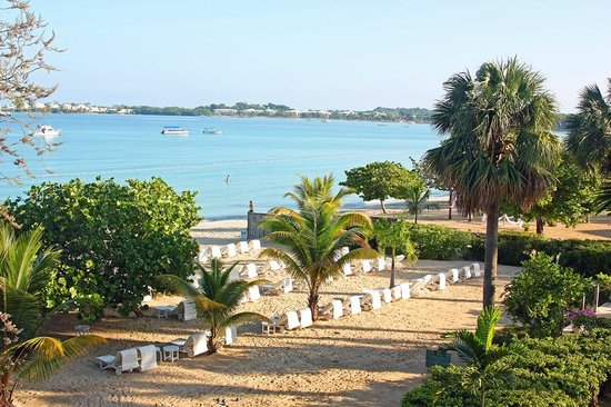 Couples Negril : View of the beach