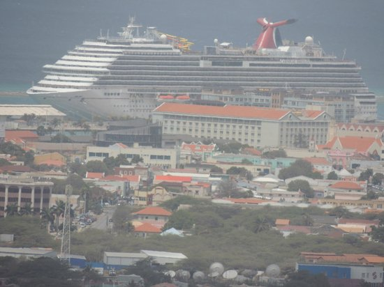 Hooiberg: You can see the marina from the top