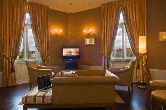 Mamaison Riverside Hotel Prague: Riverside Suite - Living Room at Mamaison Hotel