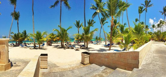 IFA Villas Bavaro Resort & Spa: view to our beach, so nice and HOT ;)