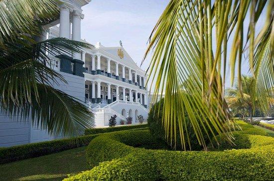 Taj Falaknuma Palace: Exterior view