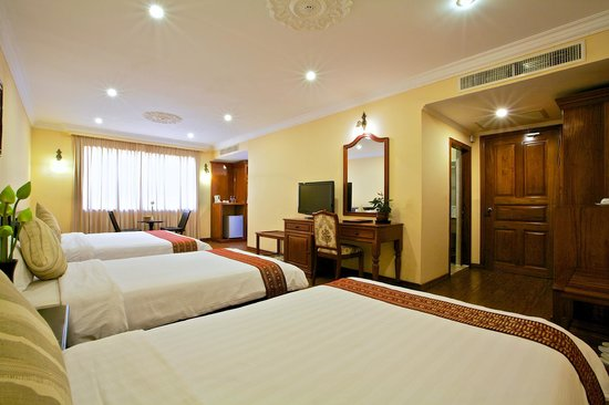 Lin Ratanak Angkor Hotel: Deluxe Triple Room Accommodation are the great choice of family trip.