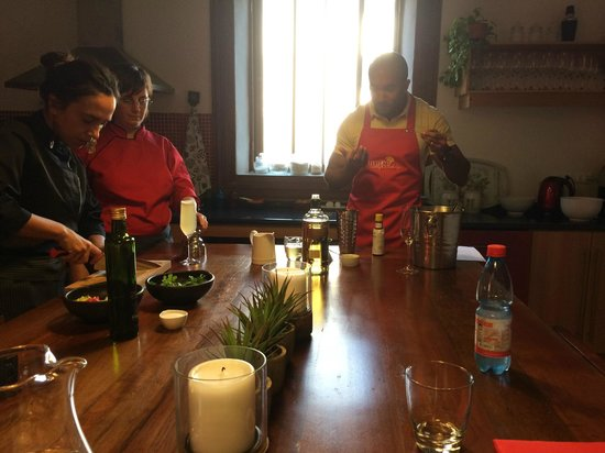 Uncorked Cooking WorkShop : Learning and tasting