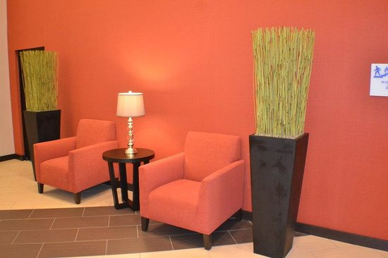 Holiday Inn Express Hotel & Suites Indianapolis W - Airport Area: Hotel Lobby