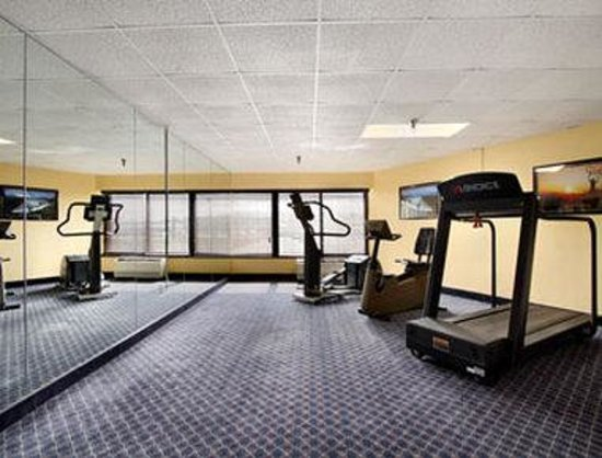 Days Inn Carlisle North: Fitness Center