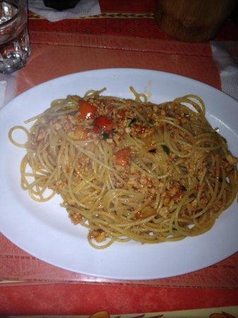 Mama Mia Spaghetteria - Caffetteria: Spaghetti con frutto di mare domenicano!