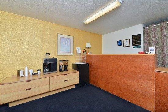 America's Best Value Inn & Suites: Lobby