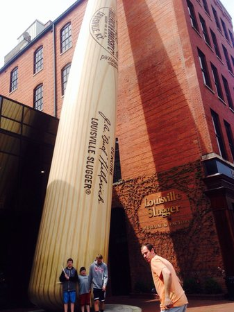 Louisville Slugger Museum & Factory : In front of building before tour