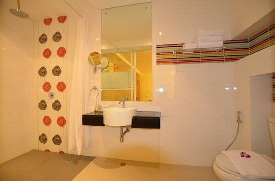 Patong Terrace Boutique Hotel : Bathroom