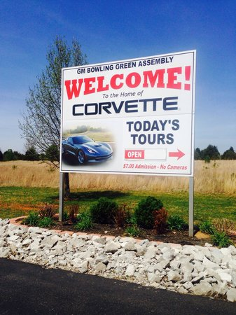 General Motors Corvette Assembly Plant : Drive around building to opposite side of this sign to park for this great tour