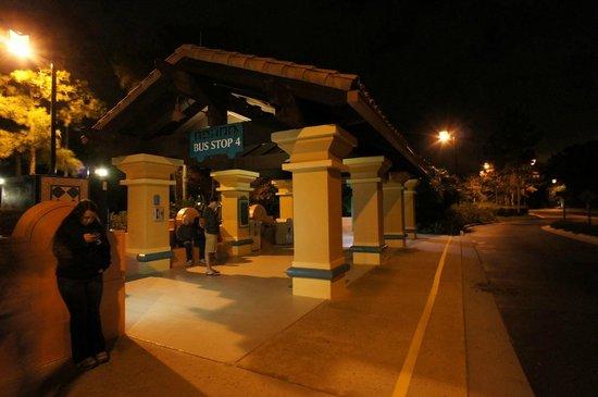 Disney's Coronado Springs Resort: バス乗り場