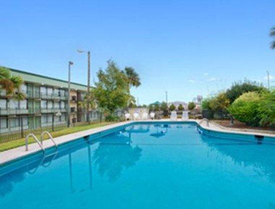 Days Inn Valdosta/Near Valdosta Mall: Pool