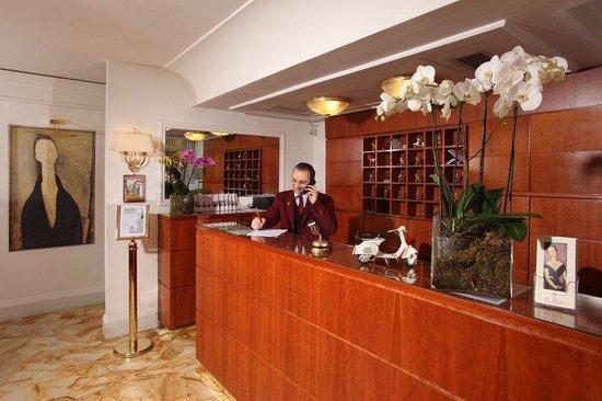 Hotel Modigliani: Lobby