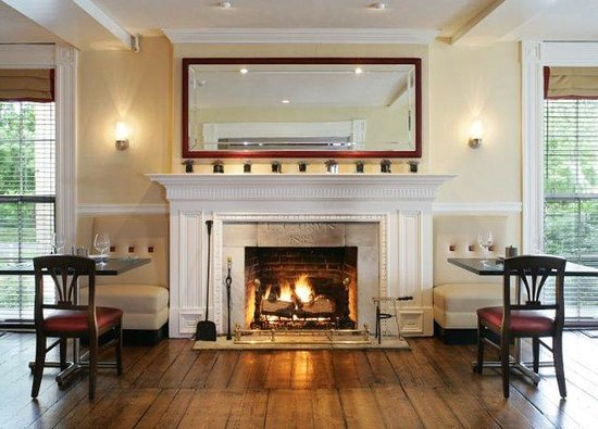 The Inns at Equinox: Chop House Restaurant Fireplace