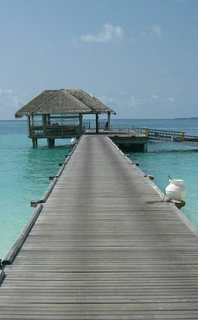 LUX* South Ari Atoll : Nice view of the jetty