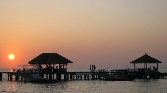 LUX* South Ari Atoll : Beautiful sunset view