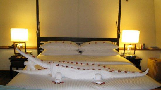 LUX* South Ari Atoll : Amazing towel origami, a crocodile