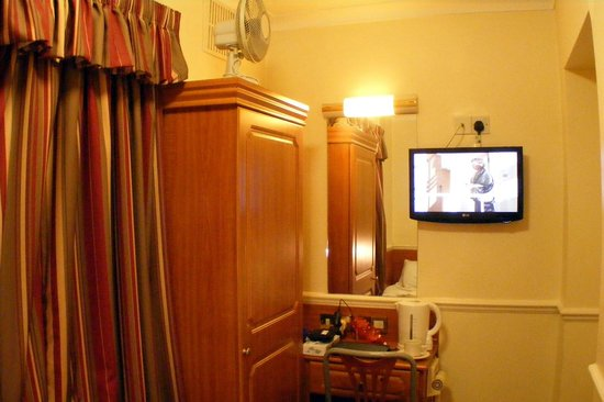Reem Hotel: Single room