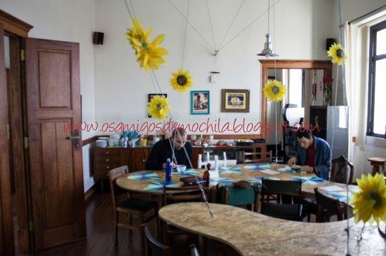 Sunset Destination Hostel: Cafe da Manha