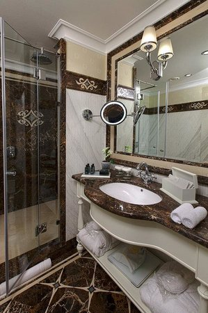 The Hermitage Hotel Bathroom