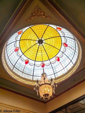 The Carrington Hotel: Dome installed to honour visit of Duke & Duchess of York