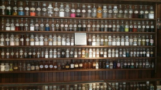 Historic Village Herberton: Apothecary  in the old pharmacy