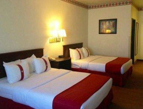 Ramada Williams/Grand Canyon Area: Deluxe Queen Bedroom