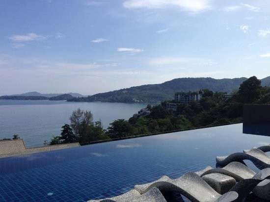 Hyatt Regency Phuket Resort : Regency Club infinity pool