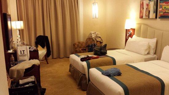 Hotel Royal Macau : Our superior room
