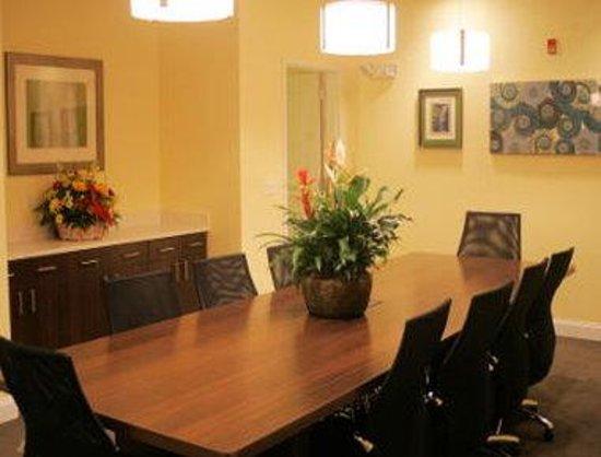 Days Inn & Suites Altoona: Meeting Room