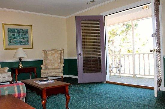 Beau Rivage Golf & Resort: New Livingroom