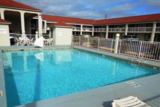 GuestHouse Inn Abbeville: Goabbe Swimmingpool