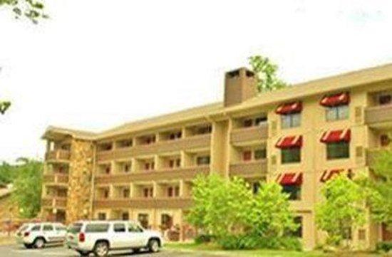 Johnson's Inn : Exterior