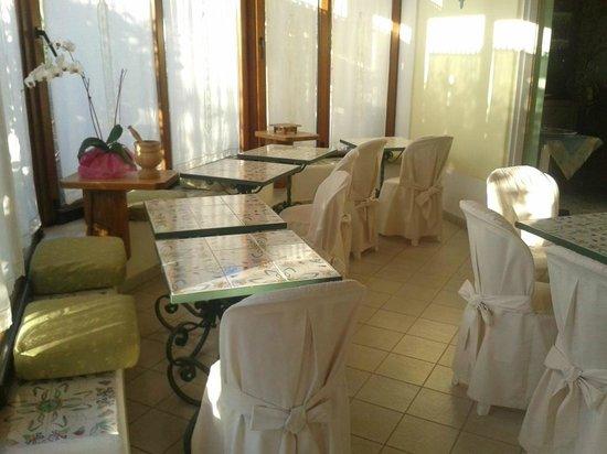 Hotel Residence Mendolita: Sala colazione