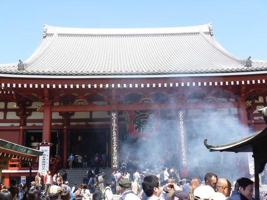 Senso-ji Temple: 本堂