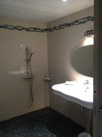 Hotel Le Royal: ванная